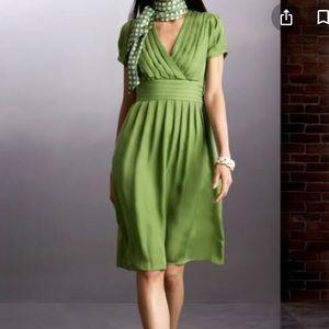 Banana Republic 100% Silk Pleated Dress Sz 2